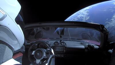 El Tesla lanzado al espacio podría regresar en un millón de años