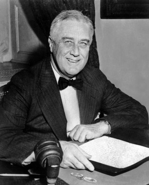 # 32 - Franklin D. Roosevelt. Mandato desde 4 de marzo de 1933, hasta 12...