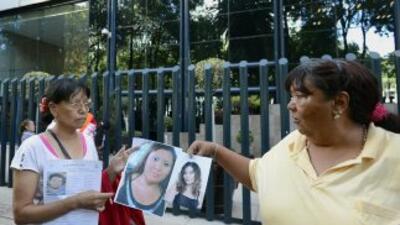Familiares de los 12 jóvenes desaparecidos en el bar Heaven, de Ciudad d...