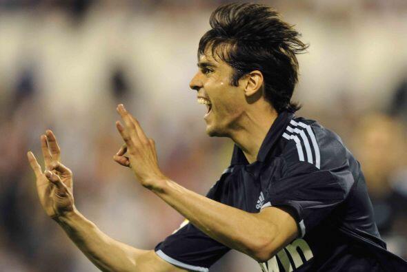 El brasileño Kaká reapareció y lo hizo en grande, logrando el gol para e...