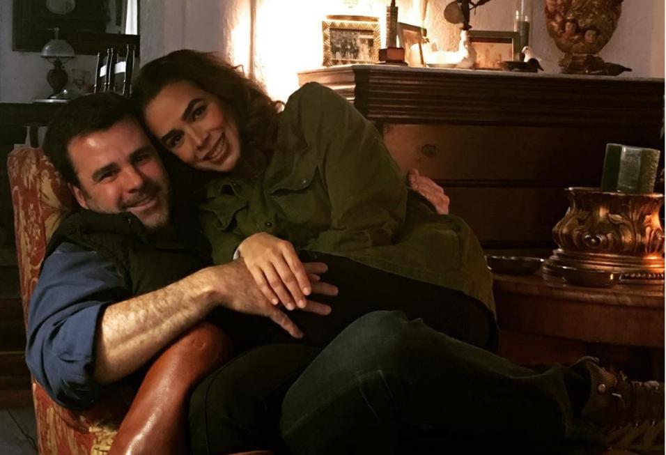 Bibi Gaytán y Eduardo Capetillo en el cumpleaños 47 del actor.
