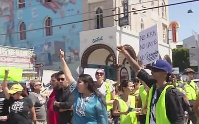 Manifestantes de Venice y Laguna Beach exigieron un alto a los ataques r...