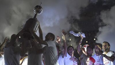 ¡Tarde, pero en grande! River celebra campeonato de Libertadores