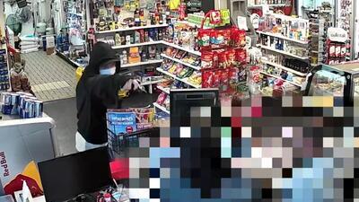 En video: Intentó asaltar una gasolinera con una pistola de juguete