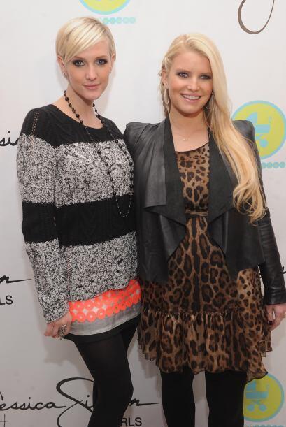 Con su hermana Ashlee en diciembre.