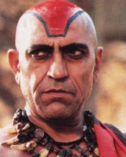 Amrish Puri, quien interpretó al malvado Mola Ram, se rapó la cabeza par...