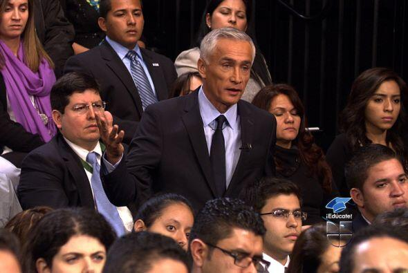 Los expertos dijeron que la solución es contratar más profesores latinos...