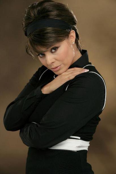 Luego de dejar las telenovelas por una lesión, en el 2006 fue coronada c...