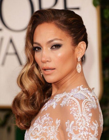 ¡Ahora entendemos porque esta mujer  siempre luce una piel fabulosa! De...