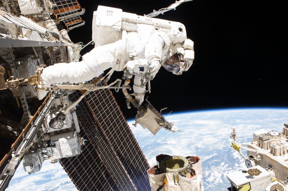 Astronauta de Puerto Rico habla con niños de la isla desde el espacio es...
