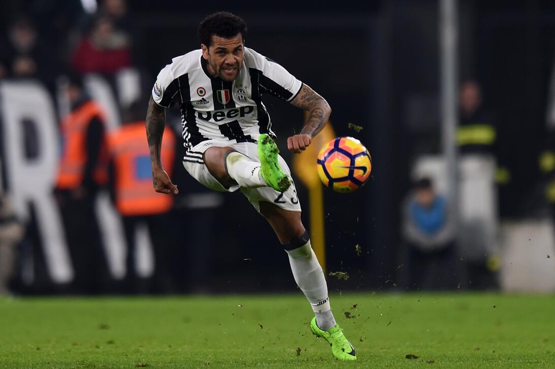 La renovación de Dani Alves para convertirse en estandarte de Juventus G...