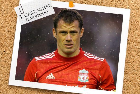 El líder de nuestra zaga, y del Liverpool, es Jamie Carragher, que no de...