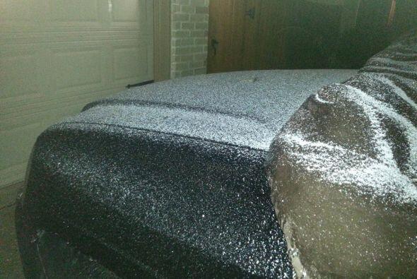 El intenso frio, la lluvia y el hielo ya llegaron a diversas partes del...
