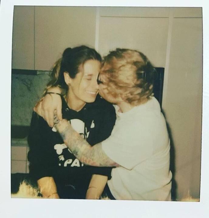 Ed Sheeran se compromete