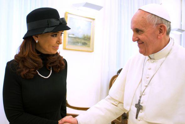 El papa Francisco y la presidenta de Argentina, Cristina Fernández de Ki...