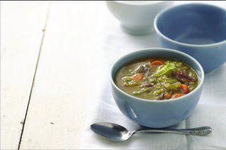Sopa de chícharos o guisantes: Los chícharos secos, tambi&...