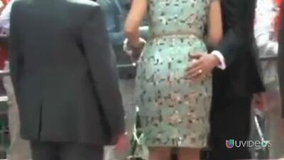 Un alcalde holandés le tocó el trasero a la reina Máxima en un evento pú...