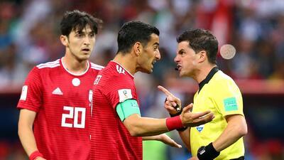 Asistente de Irán acabó en el hospital tras el gol anulado por el VAR