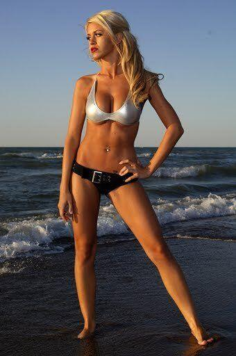 Lindsey Vecchione es novia de Jonathan Toews, estrella del Chicago Black...