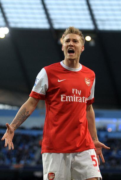 El danés Nicklas Bendtner firmó el 3-0 definitivo en favor del Arsenal.