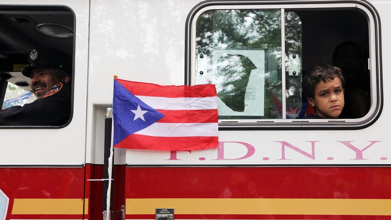Bandera de Puerto Rico durante un desfile en Nueva York