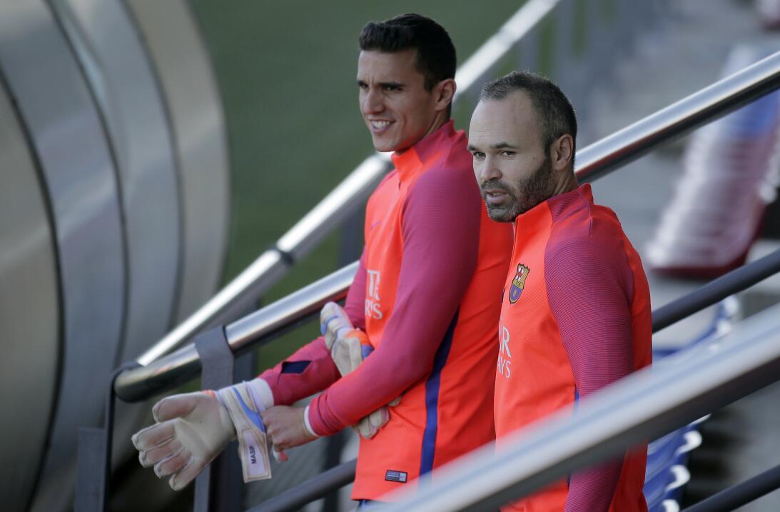 Las caras de Barcelona en el entrenamiento previo al clásico contra Real...