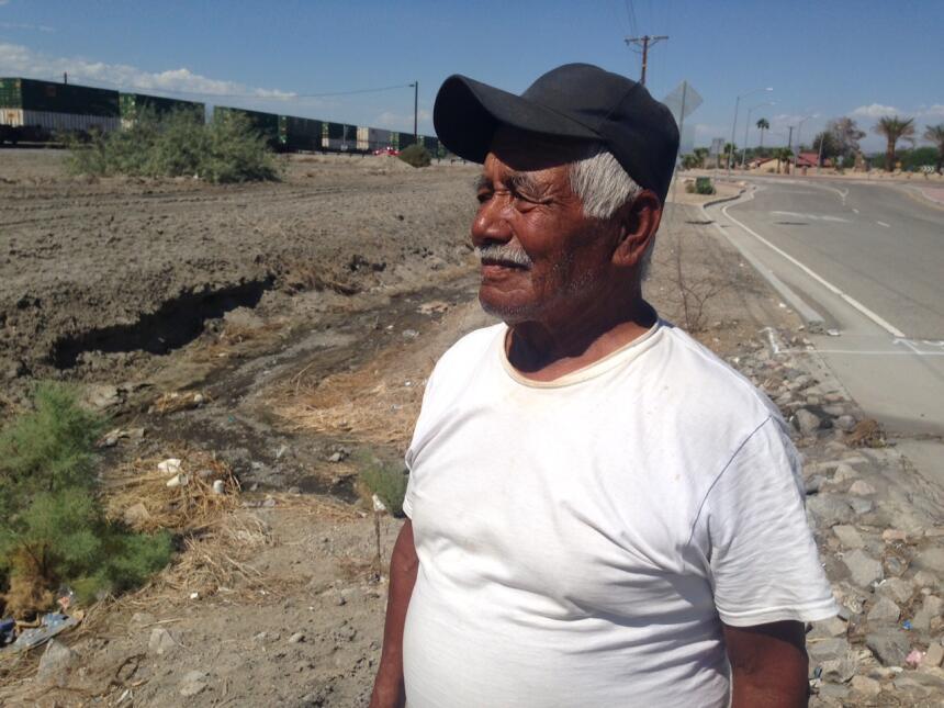 Abel Pérez, un oaxaqueño de 82 años, vino a su última cosecha en los cam...