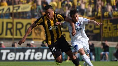 Peñarol es líder y se acerca al títutlo