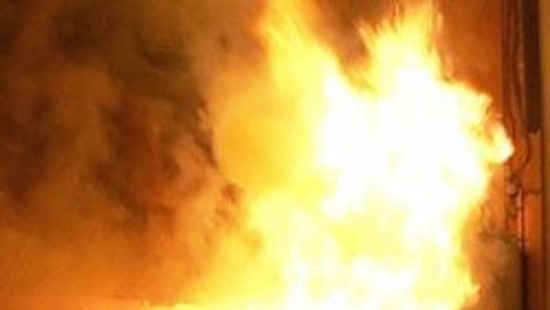 Incendio en una casa de Queen dejo dos ni?os muertos. 05ddeb577bfd478d90...