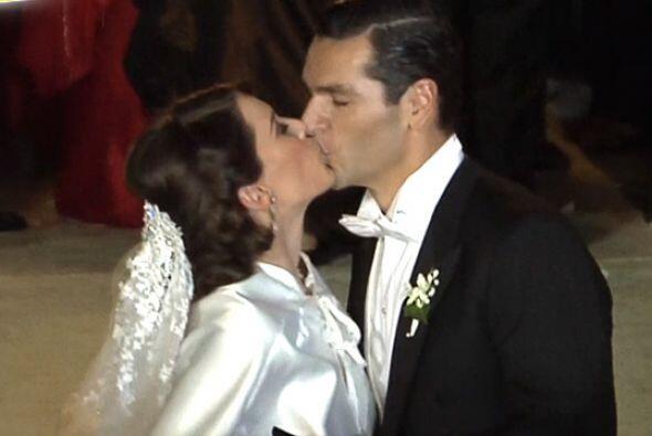 Monumental boda de Jacqueline Bracamontes