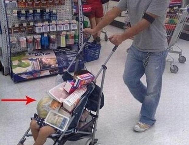 Papás cuidando bebés