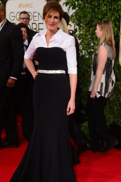 El 'look' de Julia Roberts fue muy criticado por combinar un 'strapless'...