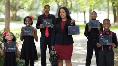 Leshia Champs posa orgullosa, junto a sus hijos, en las fotos para celeb...