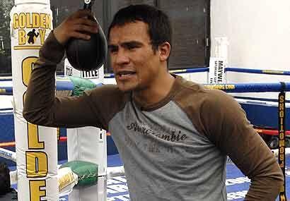 Marquez peleó por última vez el 28 de febrero de 2009 cuando arrebató lo...