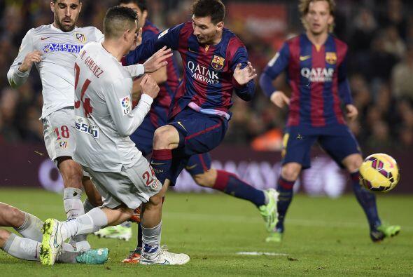 Durante el resto de la primera mitad, el Barcelona fue superior al conju...