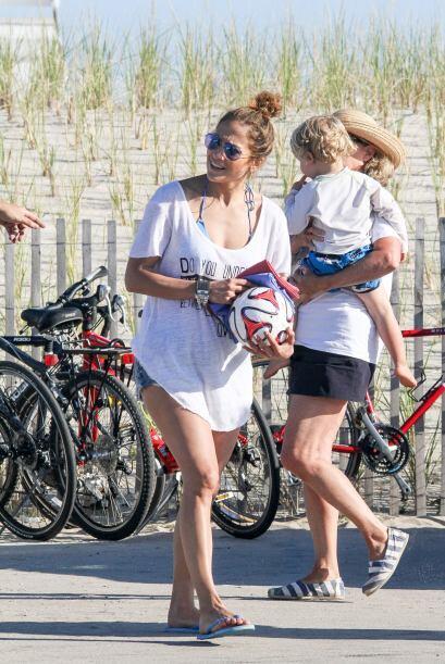 Lopez y sus hermosos gemelos la pasaron de maravilla en un parque de la...