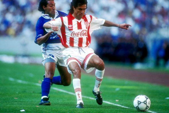 Otro de apellido Herrera, nos referimos a Efraín 'El Cuchillo' Herrera s...