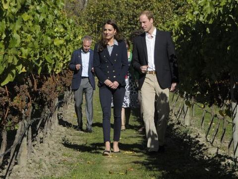 El príncipe William y su esposa Kate Middleton visitaron el vi&nt...