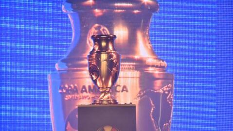 El trofeo que estará en disputa en la Copa América Centenario.