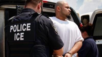 Unos 15 arrestados tenían órdenes previas de deportación y ahora enfrent...