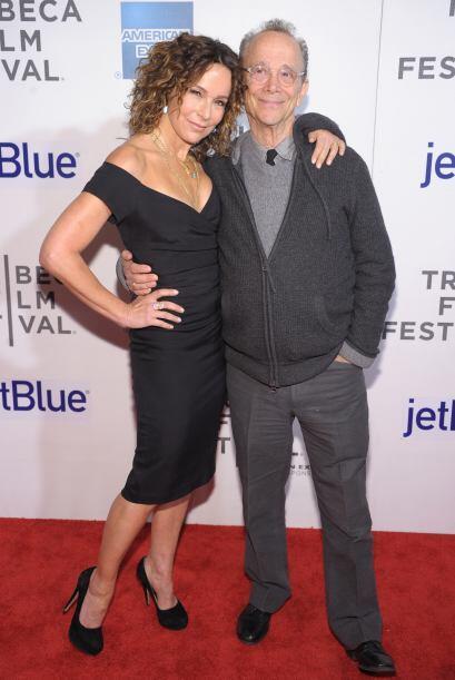 Joel estuvo casado 24 años con la actriz Jo Wilder y es padre de Jennife...