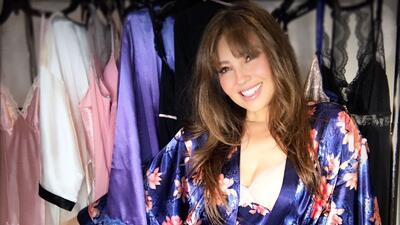 10 fotos de Thalía súper sexy... hasta en pijama