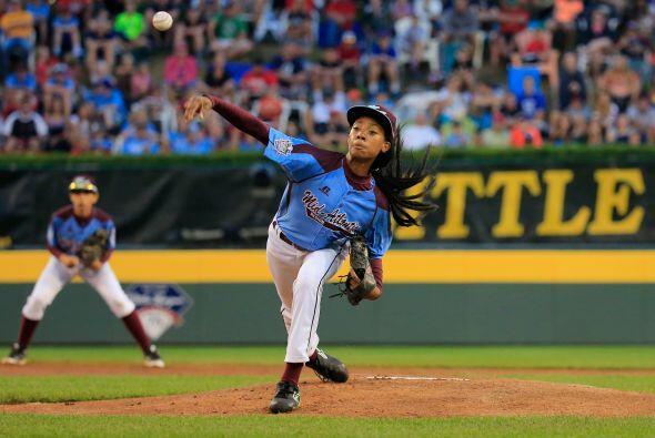 Mo'ne Davis, una niña de 13 años de edad, de Filadelfia electrizó a la S...