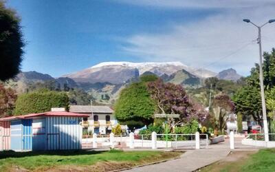 Escoltando la ciudad de Armero, así se mira hoy de apacible el volcán Ne...