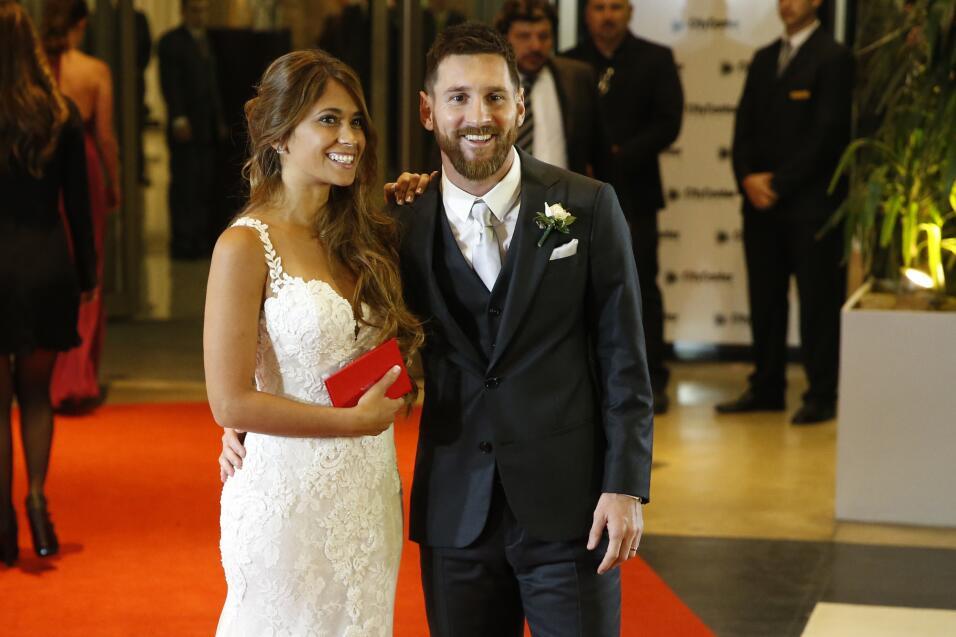 Matrimonio De Messi : Shakira repite vestido en la boda de messi y antonela