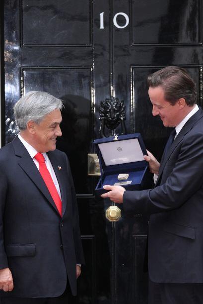 Previo encuentro con la Reina, Piñera se reunió con el Primer Ministro B...