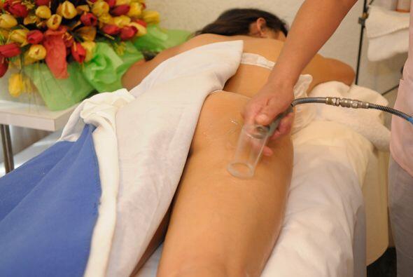 Valentina mostró a las cámaras de Univision.com uno de los tratamientos...
