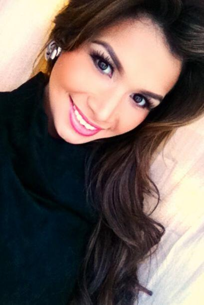 A través de las famosas fotos 'selfies' es como nuestra reina mantiene u...