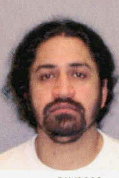 Mayo de 2003  Leman Faris fue arrestado por intentar detonar el puente d...