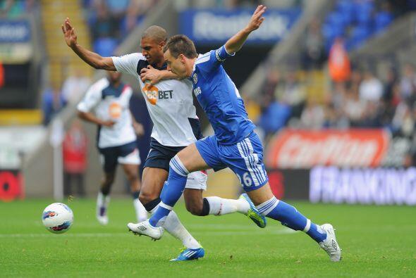 Bolton se veía goleado a pocos minutos y no sabía como contrarrestarlo.